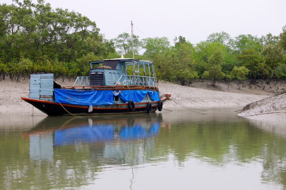 Mobile guard camps within the Sundarbans Tiger Reserve © Nisha D'Souza