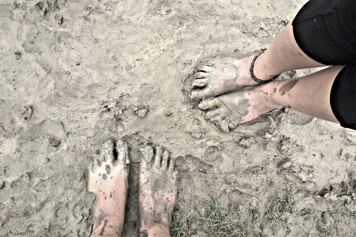 The extreme mudness meant we had to forgo our shoes © Nisha D'Souza